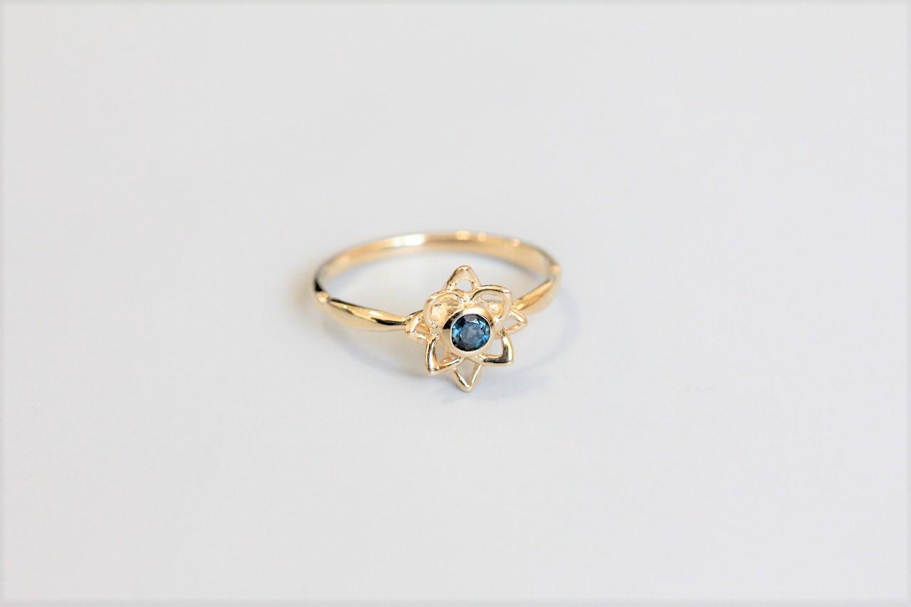 Lotus-jewelry・蓮の花が開いたK18リング